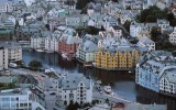 $53 Billion Fund in Norway Offers 'Scared of Everything' Model